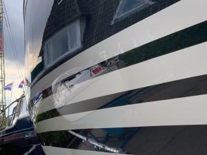 YachtcleanerY en X-Yachts romp polijsten